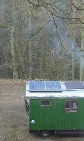 Eine mobile Photovoltaik Inselanlage auf einem Wohnmobil